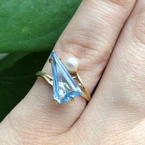 14Karat Gold Aquamarine with Pearl Ring